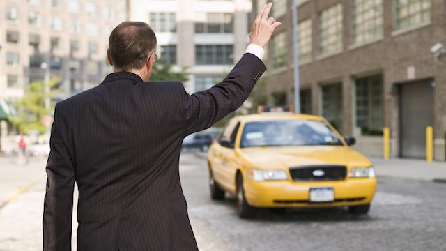 """Valoare adusa serviciului sau """"taximetrie imobiliara""""?"""